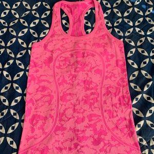 Lululemon floral swiftly pink tank size 6